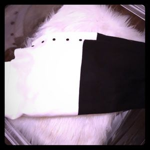 Gap black/white long scarf embellished w/ buttons